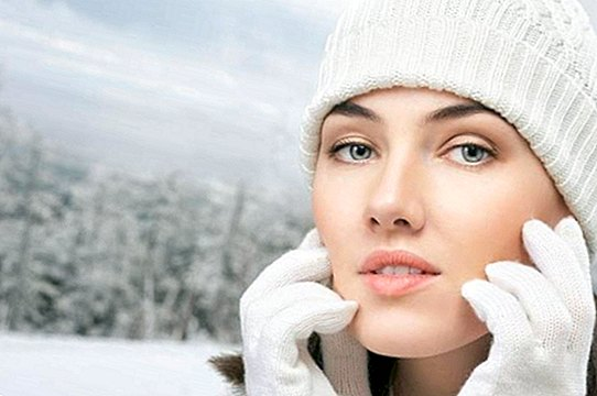 How to protect the skin from the cold in autumn and winter