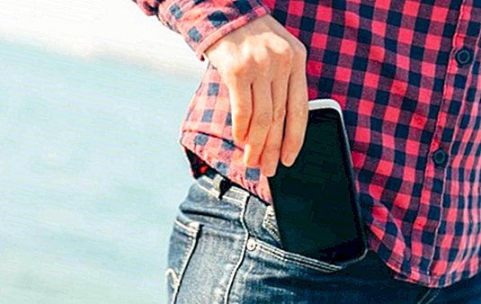 Mobile phones DO harm male fertility - pregnancy