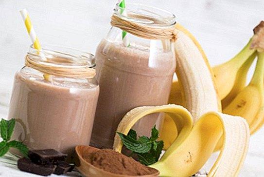 Cacao nutritiv și banane smoothie cu băutură de soia