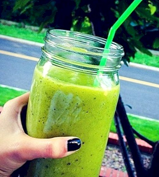 Recipes - How to make a green kiwi and spinach smoothie