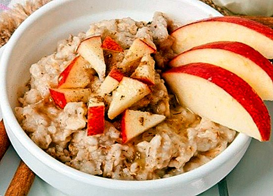 Apples with baked oats: a different snack