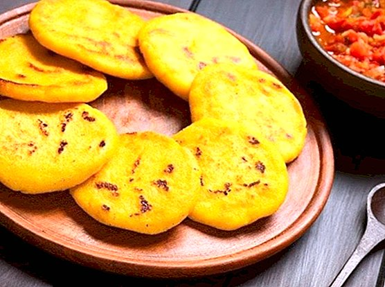 How to make Venezuelan arepas and their filling: 3 delicious recipes - recipes