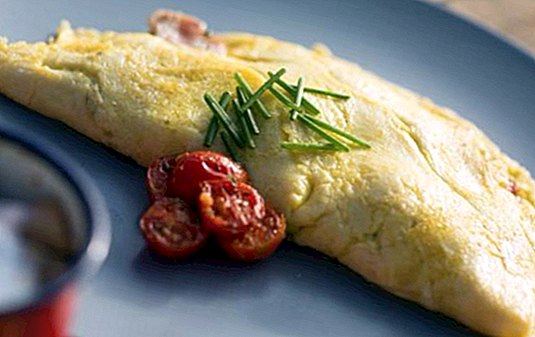 How to make more fluffy French omelette: our trick