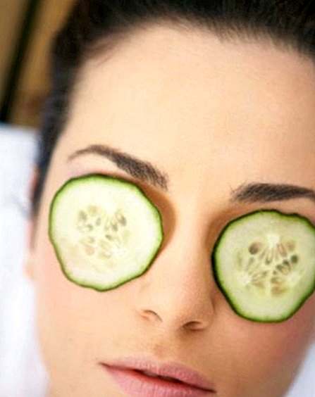 Cucumber for swollen and tired eyes: antibiotics remedy