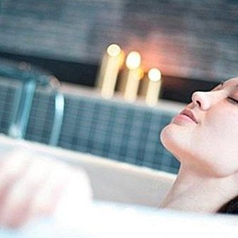 How to make a relaxing bath at home