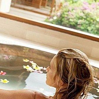 शरीर की देखभाल के लिए स्नान और आराम स्नान