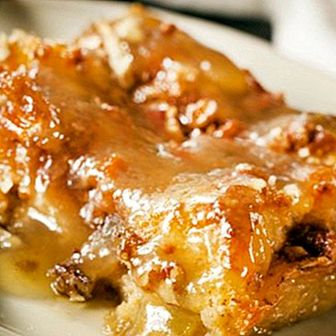 Bread pudding: what is it and easy recipe