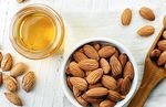 Sweet almond oil: benefits for the skin and how to use it