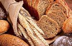Does the bread get fat? How many calories does it provide depending on the type of bread