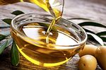 Olive oil and its benefits against cholesterol
